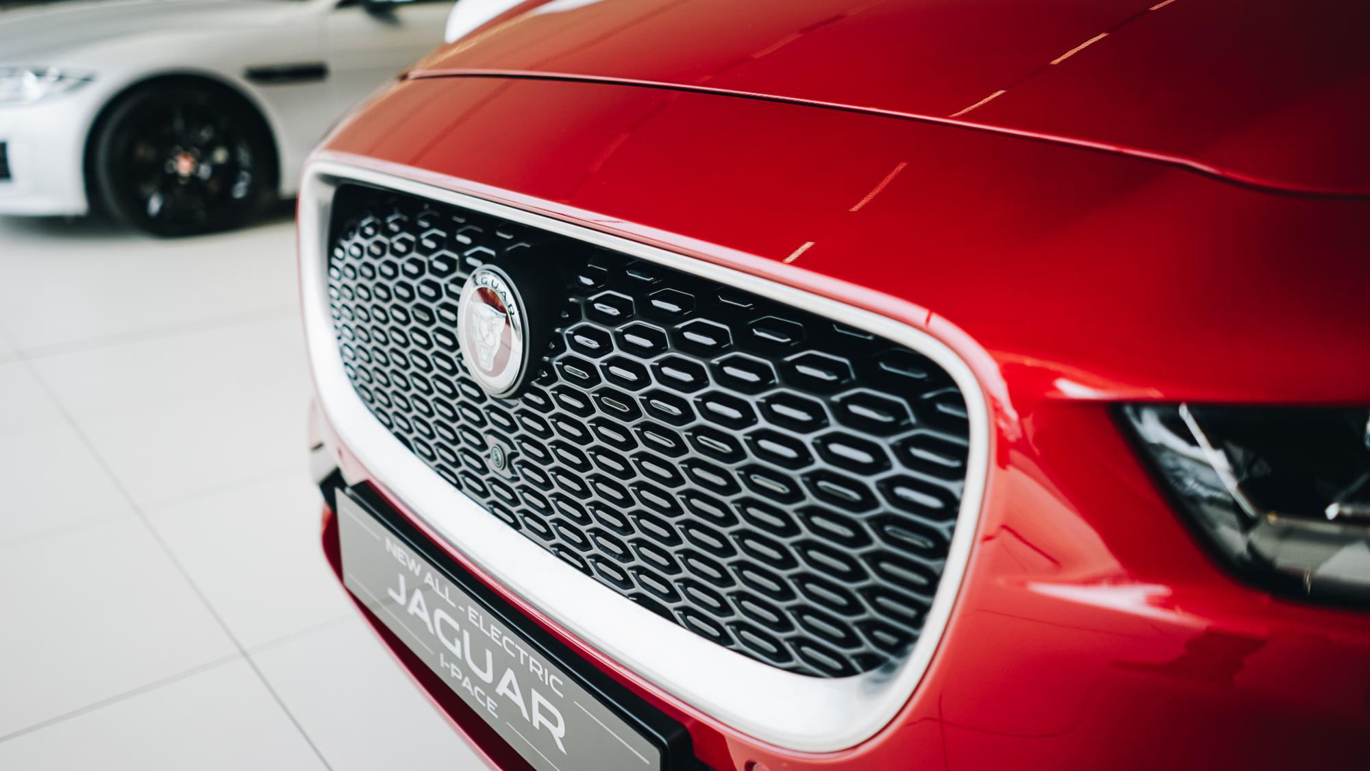 Jaguar I PACE Front