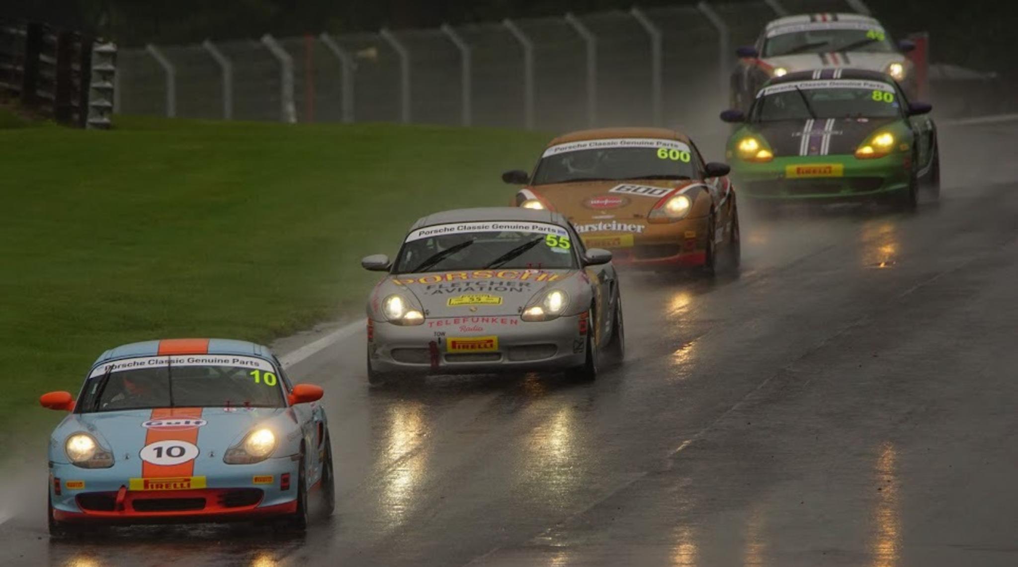 Porsche Restoracing Raining