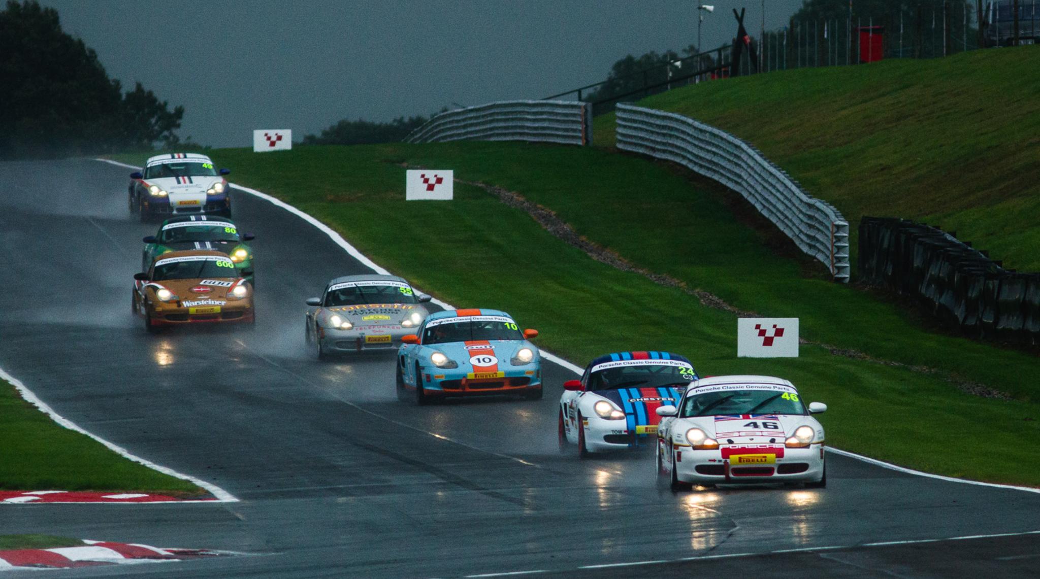 Porsche Restoracing In The Rain