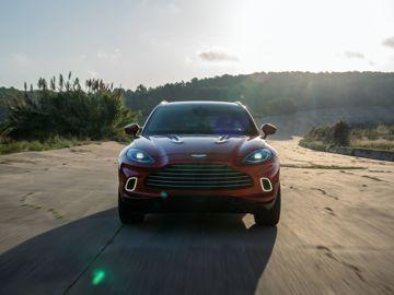 Aston martin dbx lifestyle 7