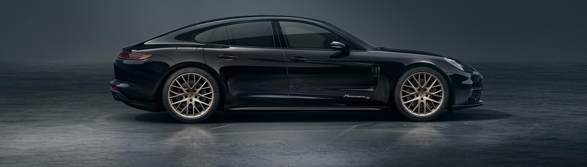 Black Porsche Header