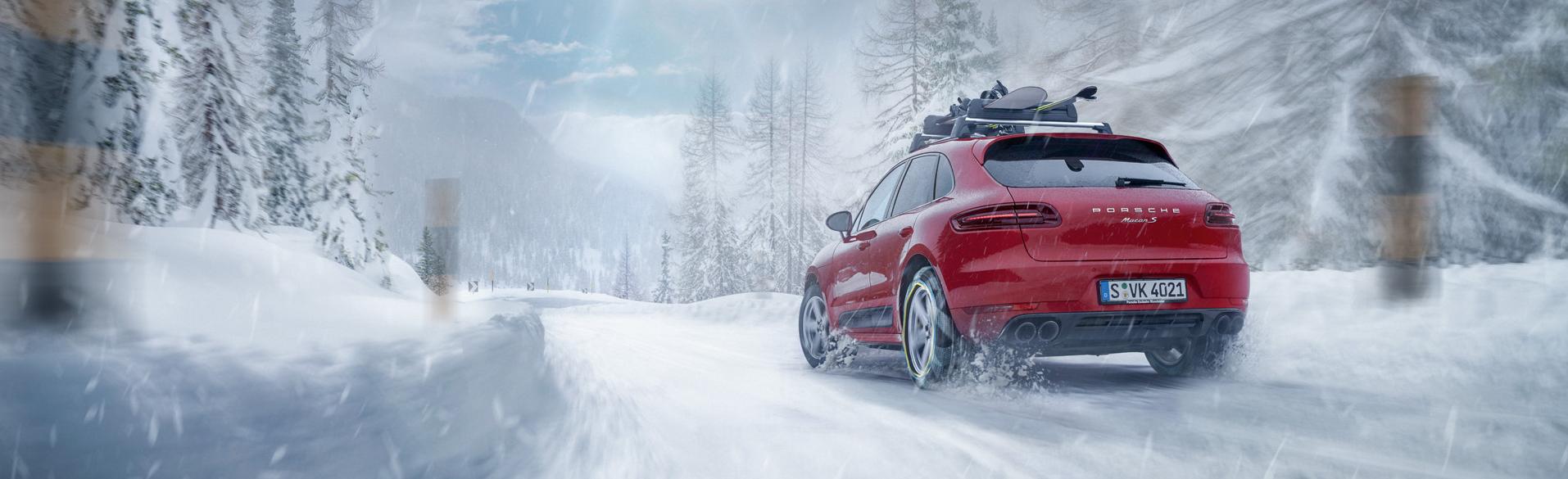 Porsche Driving in Snow