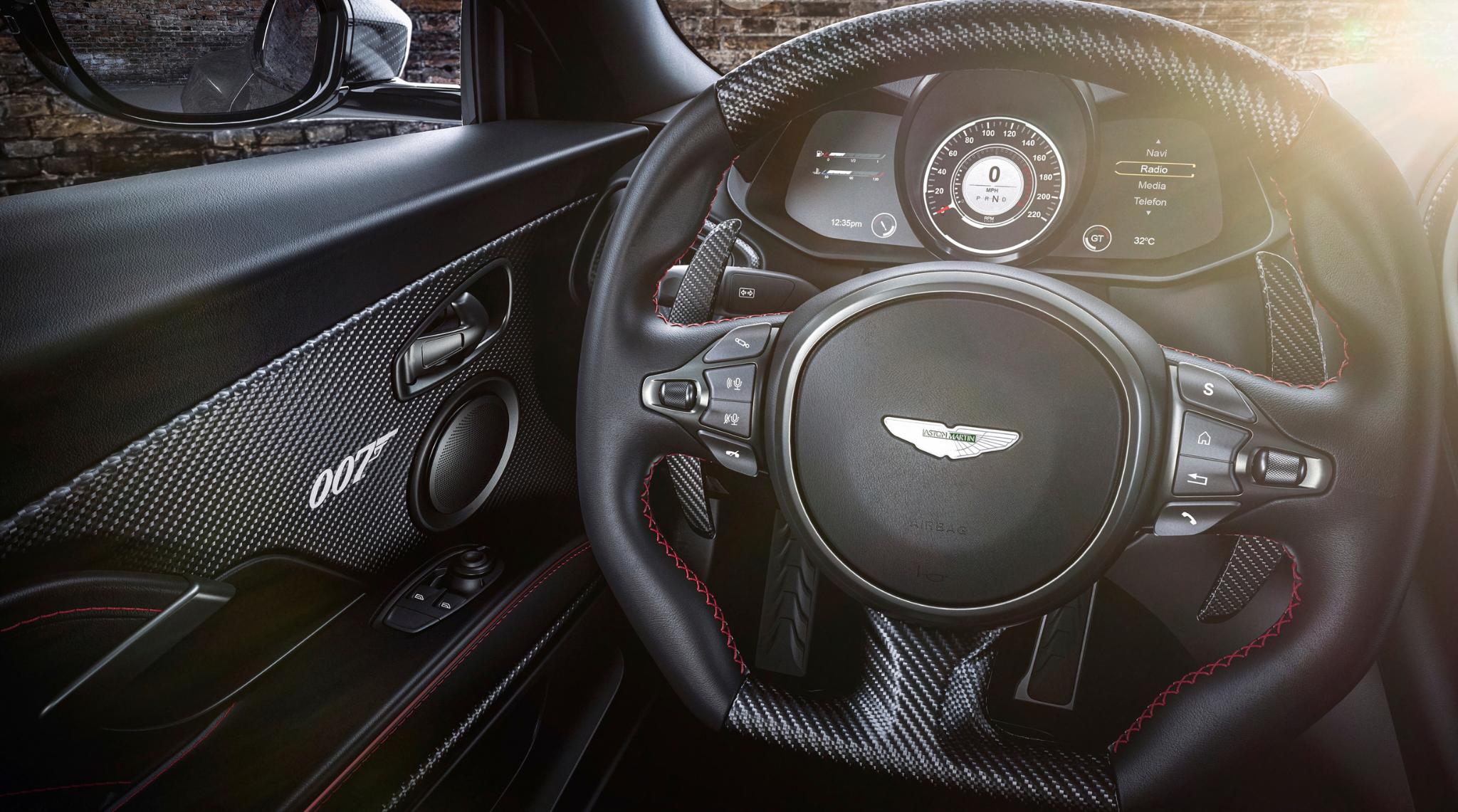 007 Aston Martin DBS Superleggera Interior