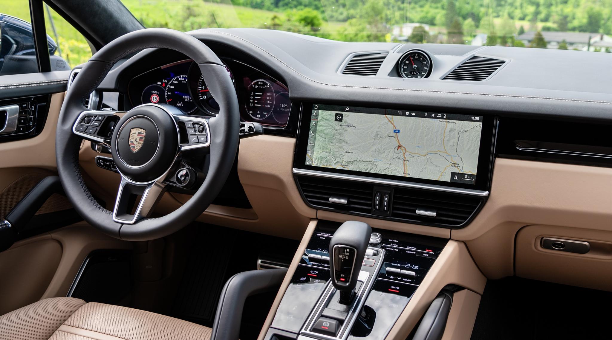 Porsche Cayenne Interior 2020