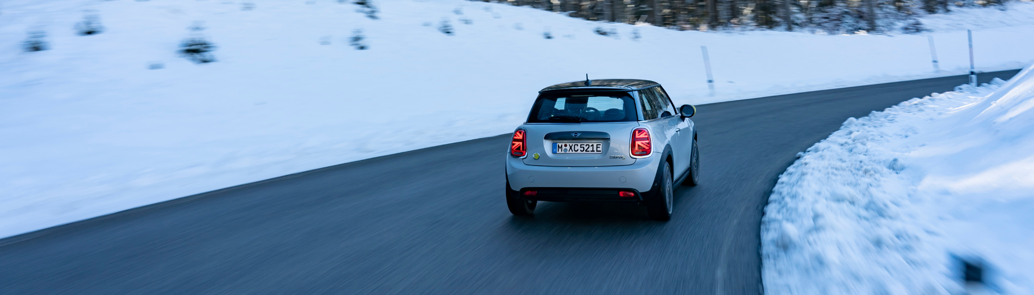 MINI Electric Driving In Snowy Conditions