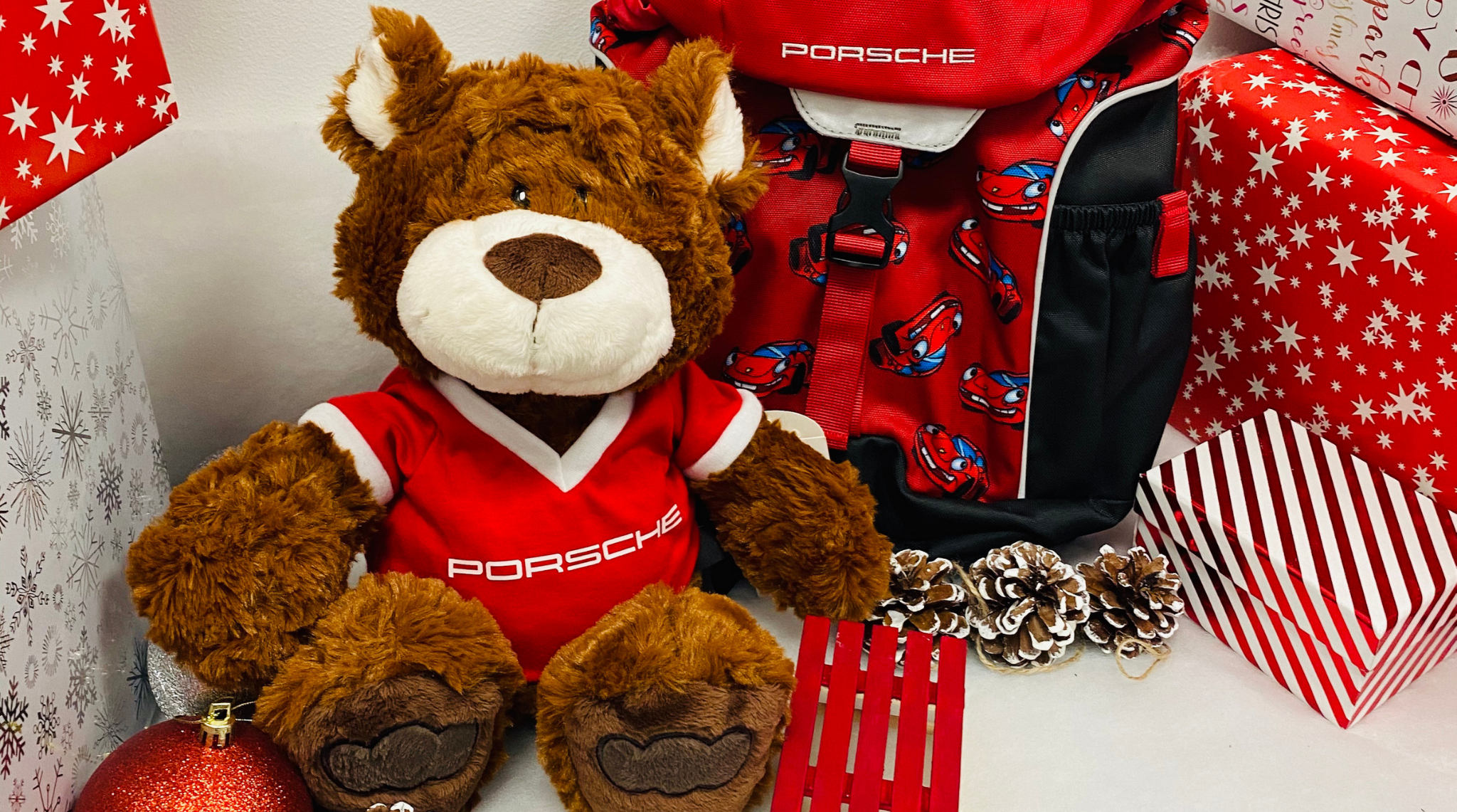 Children's items from the Porsche Driver's Selection  3