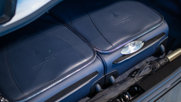 Aston martin dbs superleggera concorde edition luggage1