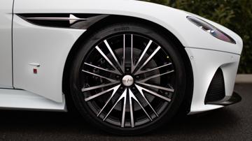 Aston martin dbs superleggera concorde edition exterior outside5