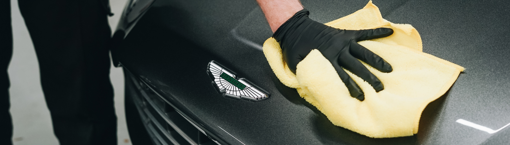 Aston Martin Clean