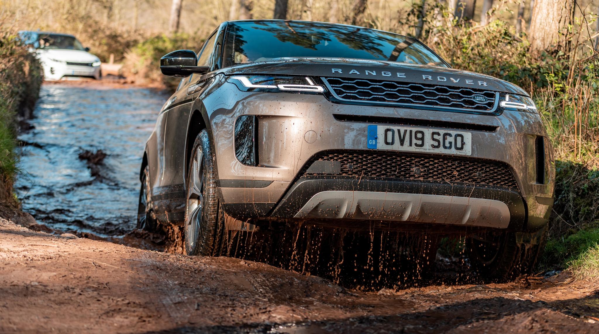 Range Rover Evoque off roading1