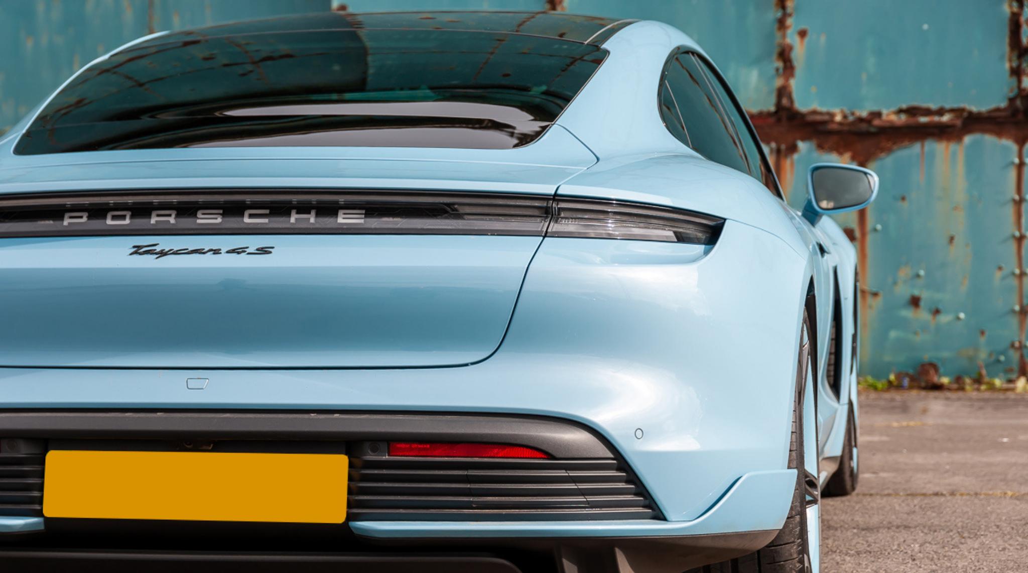 Blue Porsche Taycan1