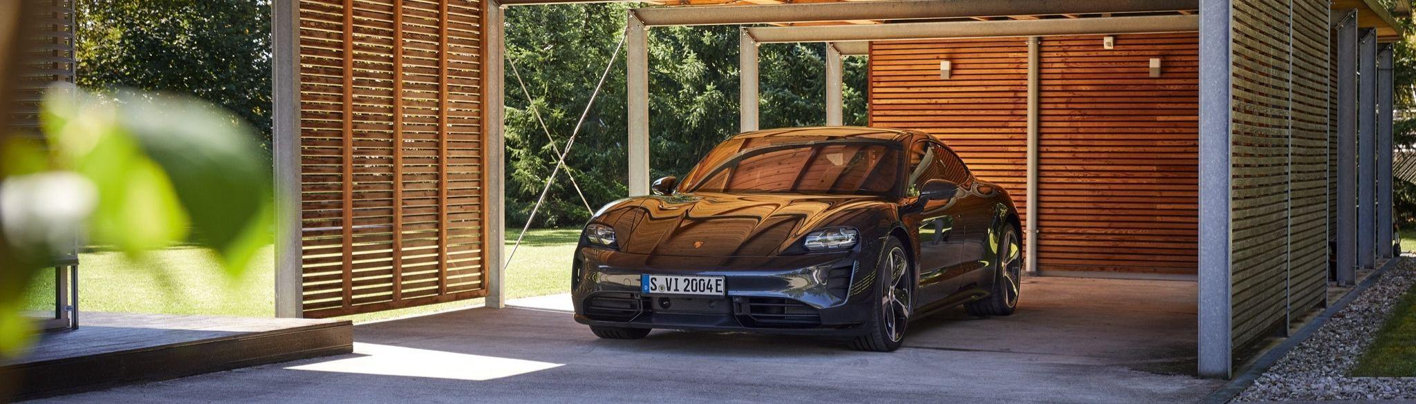 Porsche Taycan Garage