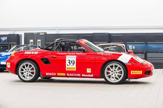 Porsche Centre Swindon Makes A Return - Porsche Classic Restoracing Competition