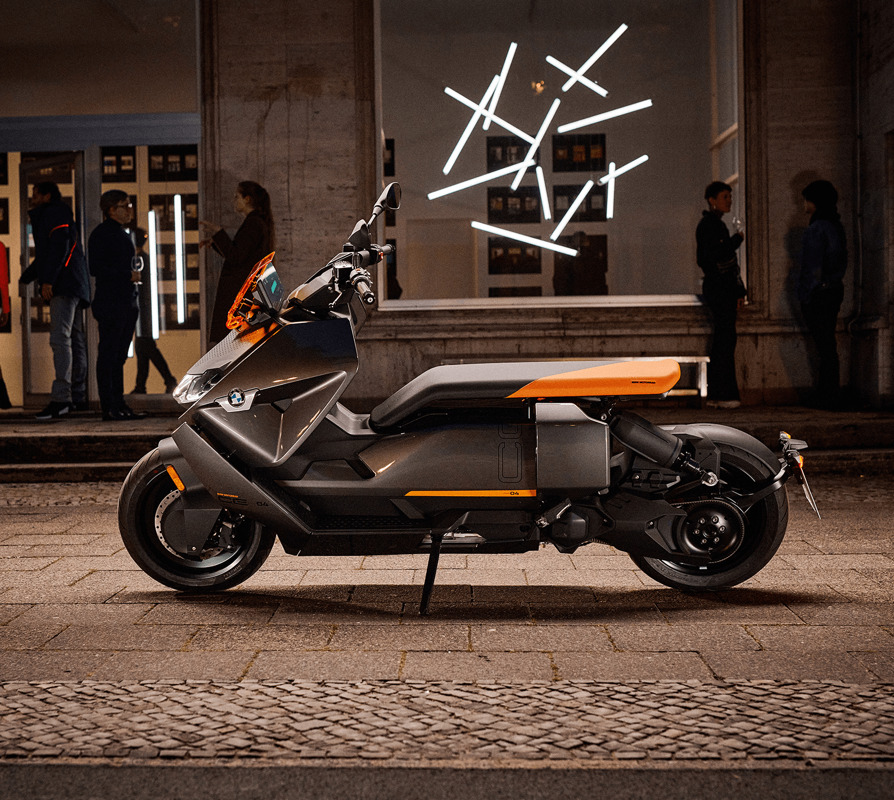 2021 BMW Motorrad CE 04