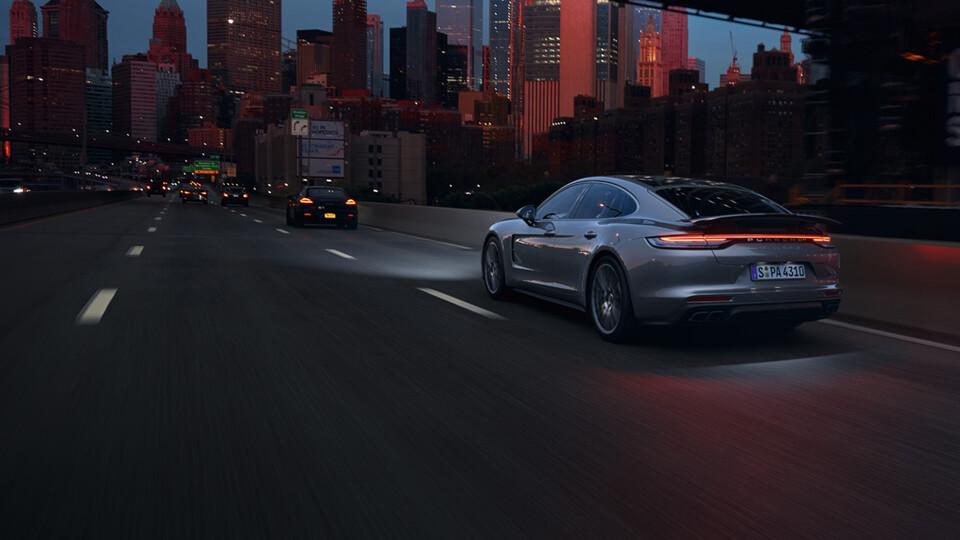 2021 Porsche Panamera Turbo