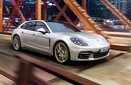 Porsche Panamera E-Hybrid Image 2