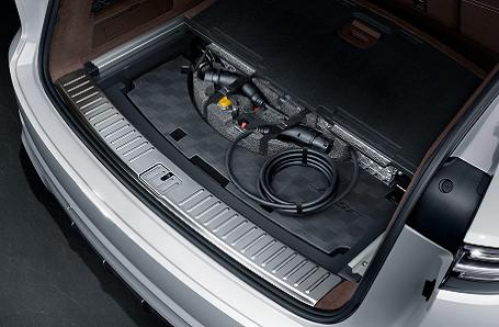 Porsche Cayenne E-Hybrid Image 2
