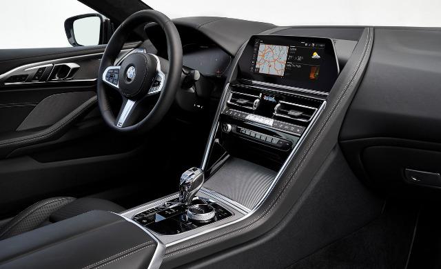 New BMW M850i car