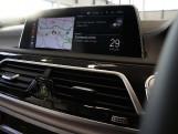 2019 BMW 740d M Sport Auto xDrive 4-door (Black) - Image: 21