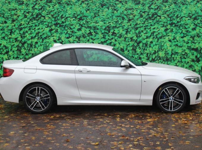 2019 BMW 218i M Sport Coupe (White) - Image: 3