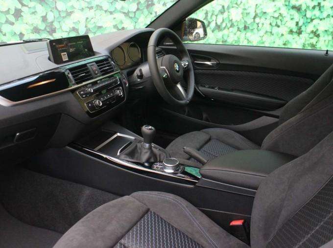 2019 BMW 218i M Sport Coupe (White) - Image: 7