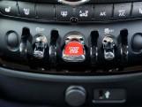 2020 MINI Cooper Classic (Red) - Image: 24