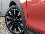 2020 MINI 3-door Cooper Exclusive (Red) - Image: 27