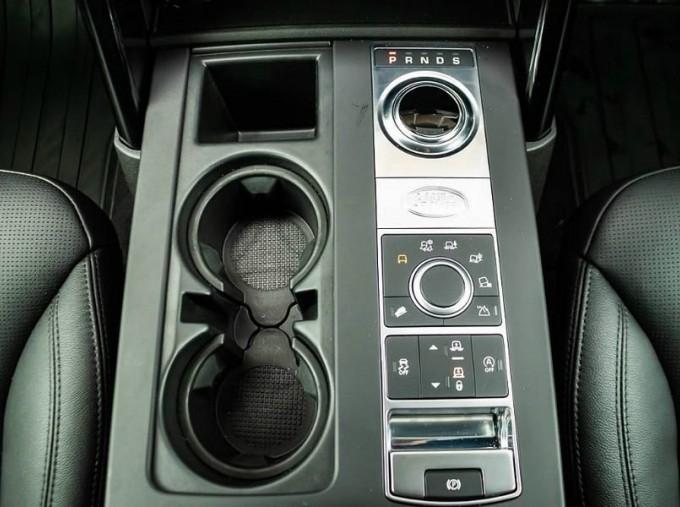 2020 Land Rover SD V6 SE Auto 4WD 5-door (Grey) - Image: 11