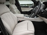 2020 BMW M50d (Black) - Image: 11