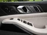 2020 BMW M50d (Black) - Image: 33