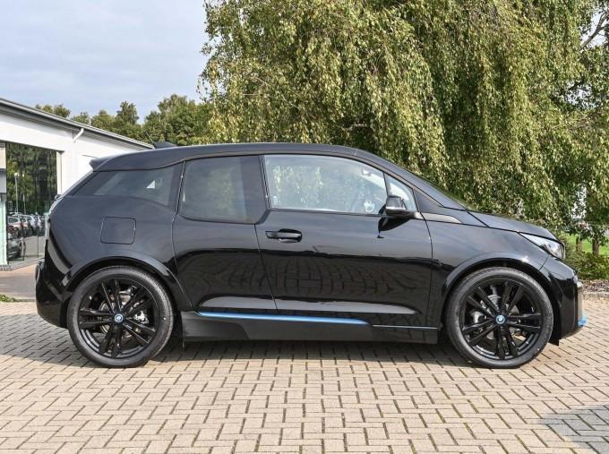 2020 BMW I3s 120Ah (Black) - Image: 3