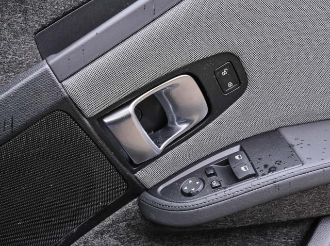 2020 BMW I3s 120Ah (Black) - Image: 27