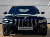2020 BMW 740d xDrive M Sport Saloon (Black) - Image: 16