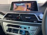 2020 BMW 740d xDrive M Sport Saloon (Black) - Image: 29