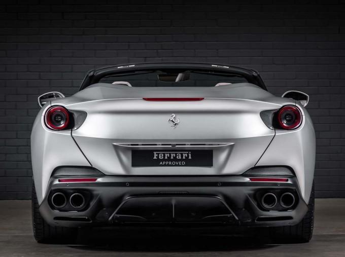2018 Ferrari V8 F1 DCT 2-door (Silver) - Image: 10