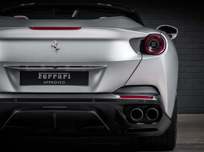 2018 Ferrari V8 F1 DCT 2-door (Silver) - Image: 11