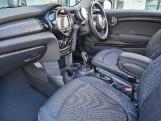 2020 MINI 3-door Cooper Classic (Green) - Image: 7