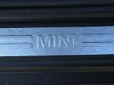 2020 MINI 3-door Cooper Classic (Green) - Image: 23