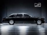 2010 Rolls-Royce 4-door (Black) - Image: 3