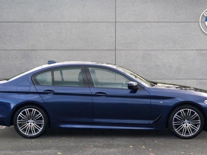 2020 BMW 530d M Sport Saloon (Blue) - Image: 3