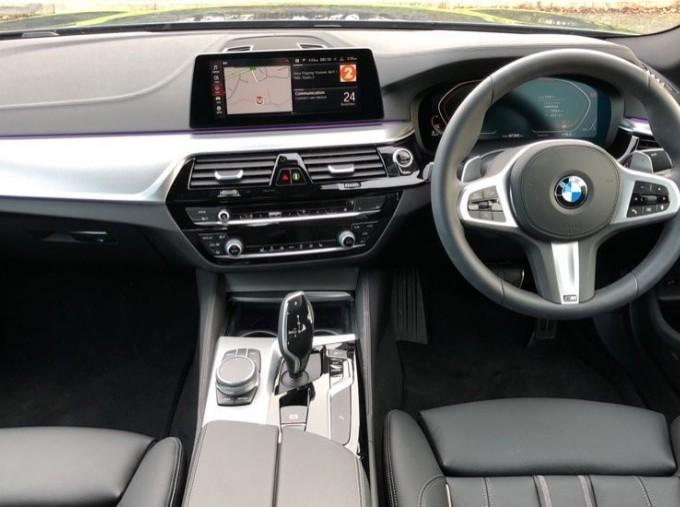 2020 BMW 530d M Sport Saloon (Blue) - Image: 4