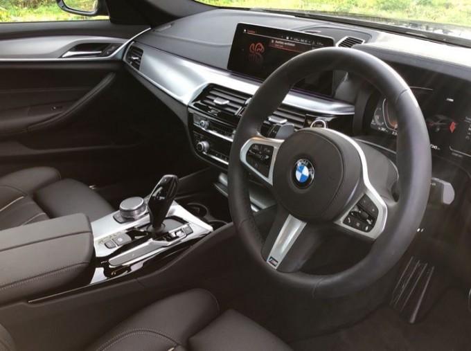 2020 BMW 530d M Sport Saloon (Blue) - Image: 5