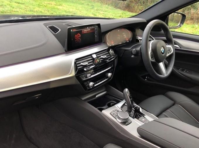 2020 BMW 530d M Sport Saloon (Blue) - Image: 6