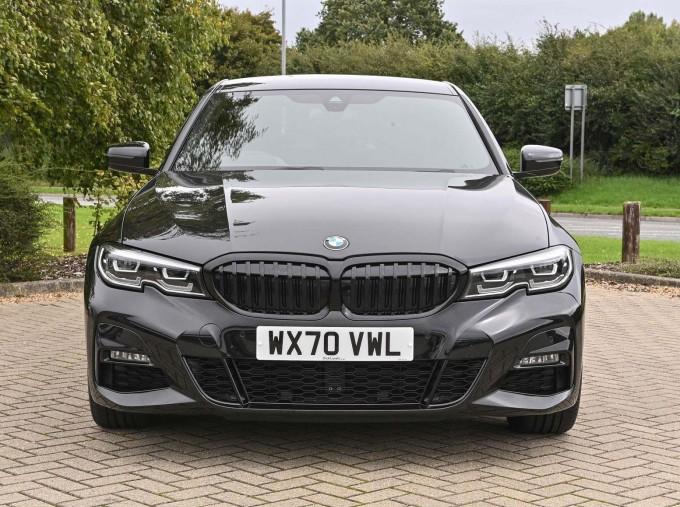 2020 BMW 320d M Sport Saloon (Black) - Image: 16