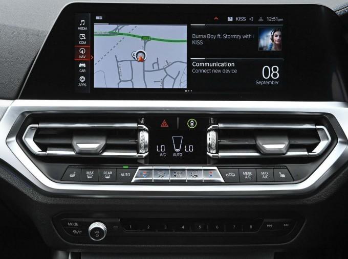 2020 BMW 320d M Sport Saloon (Black) - Image: 28