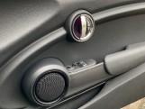 2017 MINI Cooper 3-door Hatch (Grey) - Image: 20