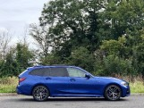 2020 BMW 320d M Sport Touring (Blue) - Image: 3