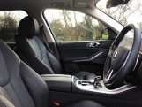 2020 BMW XDrive45e xLine (Black) - Image: 11