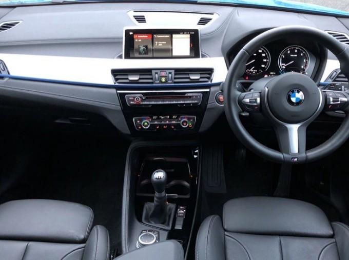 2020 BMW SDrive18d M Sport (Blue) - Image: 4