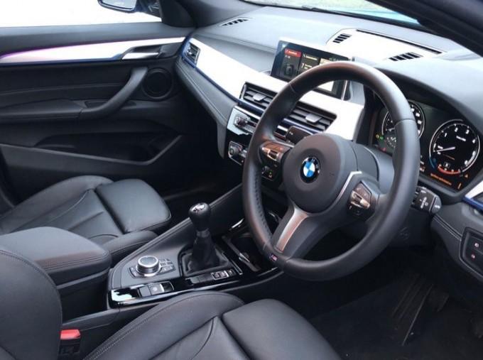 2020 BMW SDrive18d M Sport (Blue) - Image: 5